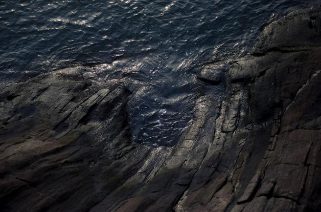 mar nas pedras